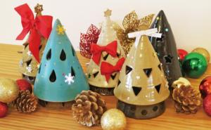 灯りがともるやきもののクリスマスツリーをデコろう